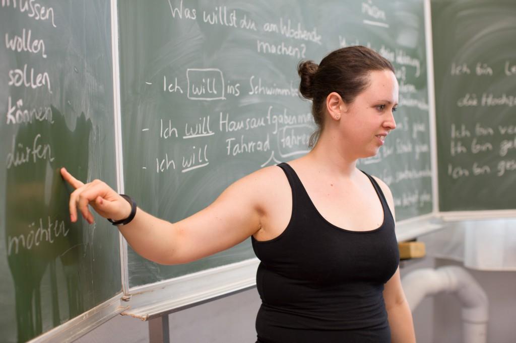 Frauke Koslowski gibt Deutschunterricht in Berlin-Charlottenburg. Sie engagiert sich in der Gruppe 'Weltweit' für Geflüchtete. (c) 2015 Kathrin Harms